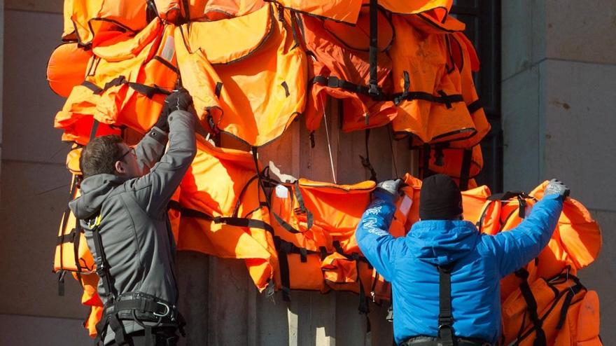 refugee-life-jackets-konzerthaus-ai-weiwei-25