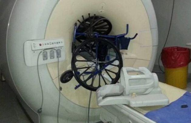 tomografo-silla-de-ruedas-hospital-posadas