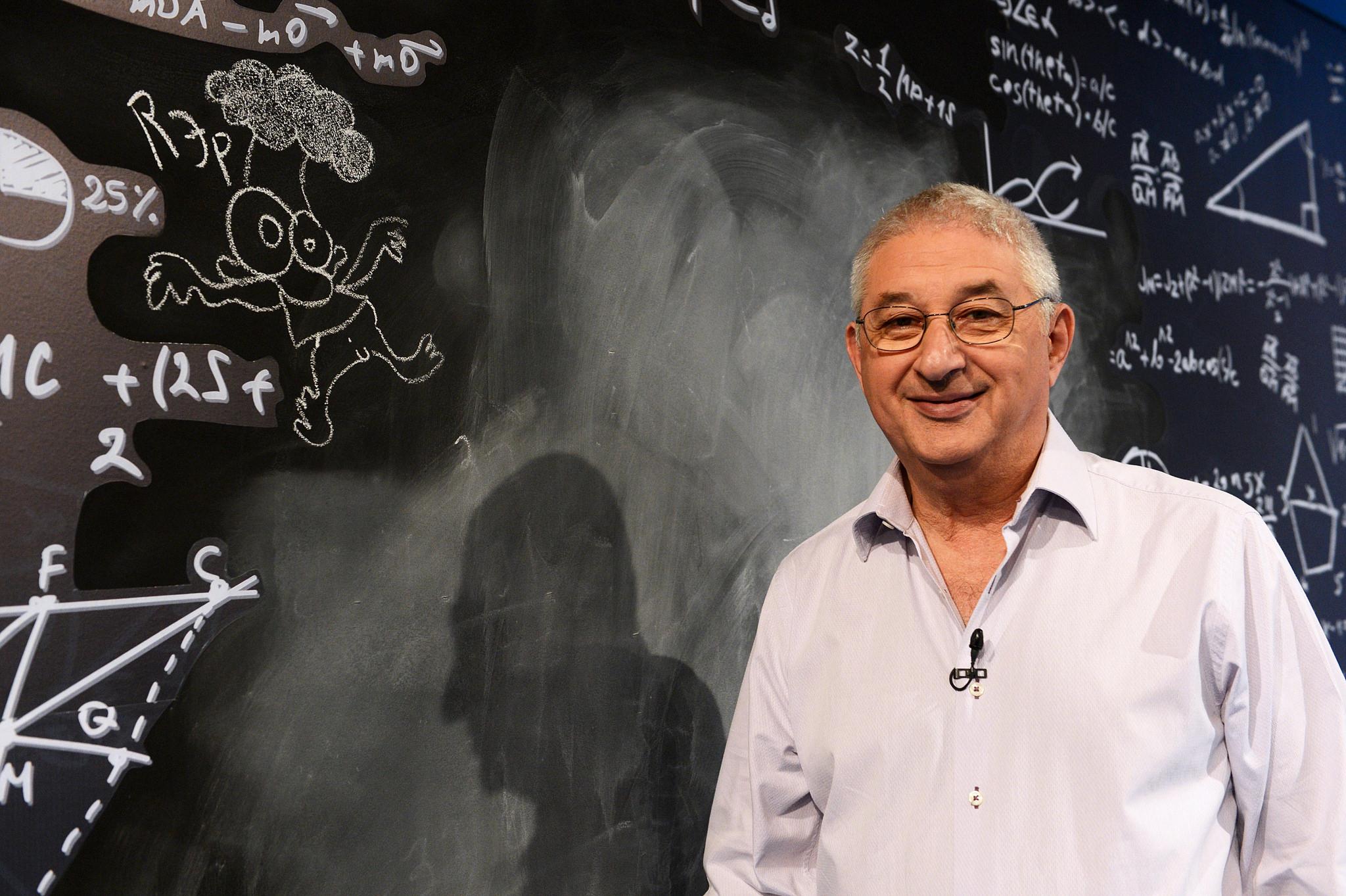 El problema de las salidas por número de DNI: Adrián Paenza tuvo que explicar si el 0 es par o no   Nexofin