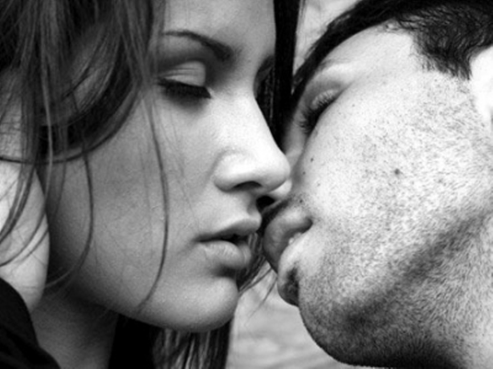 beso ojos cerrados
