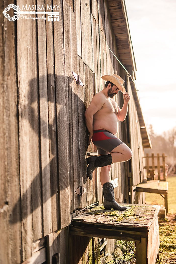 country-style-dudeoir-man-boudoir-photoshoot-masika-may-8