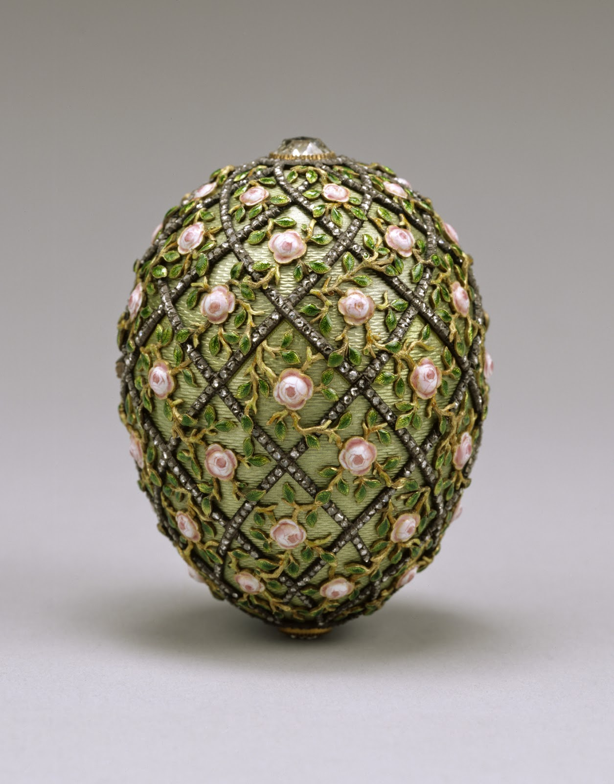 House_of_Fabergé_-_Rose_Trellis_Egg_-_Walters_44501