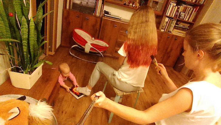 i-documented-what-its-like-to-be-a-mom-with-a-selfie-stick-18__880