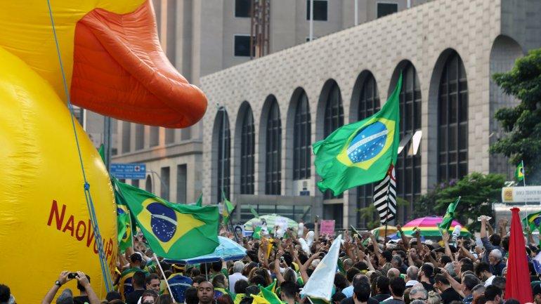 manifestantes brasil