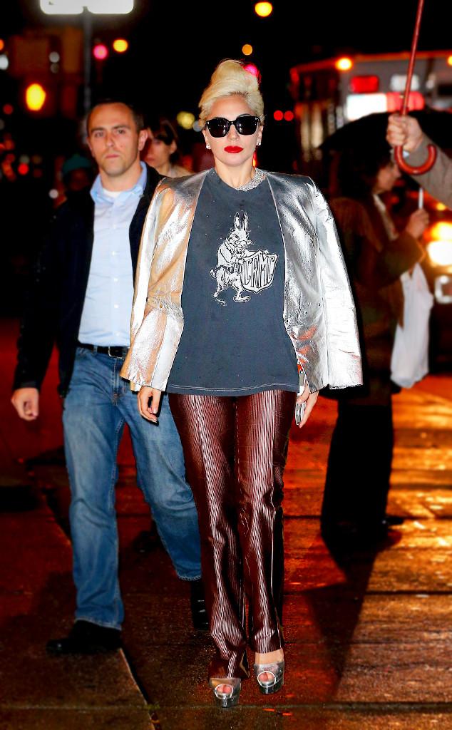 rs_634x1024-160223091336-634.Lady-Gaga-ESC-Metalics.jl.022316