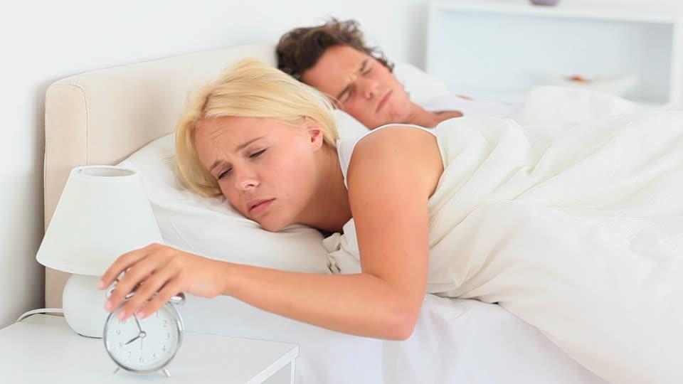 122248901-tintinear-despertador-alarma-despertar