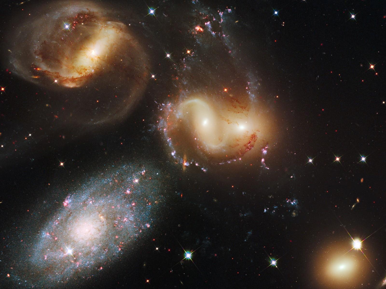 Galaxias 1