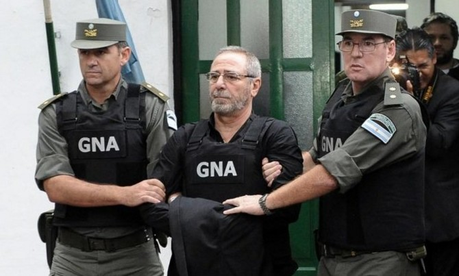 El ex ministro de Transporte K, Ricardo Jaime, en uno de sus traslados a tribunales desde el Penal de Ezeiza.