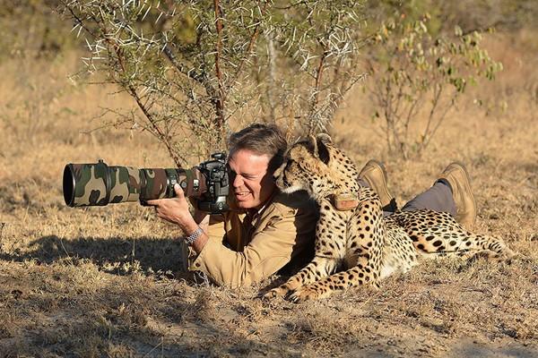 Simpaticos-animales-imitando-fotografos-14