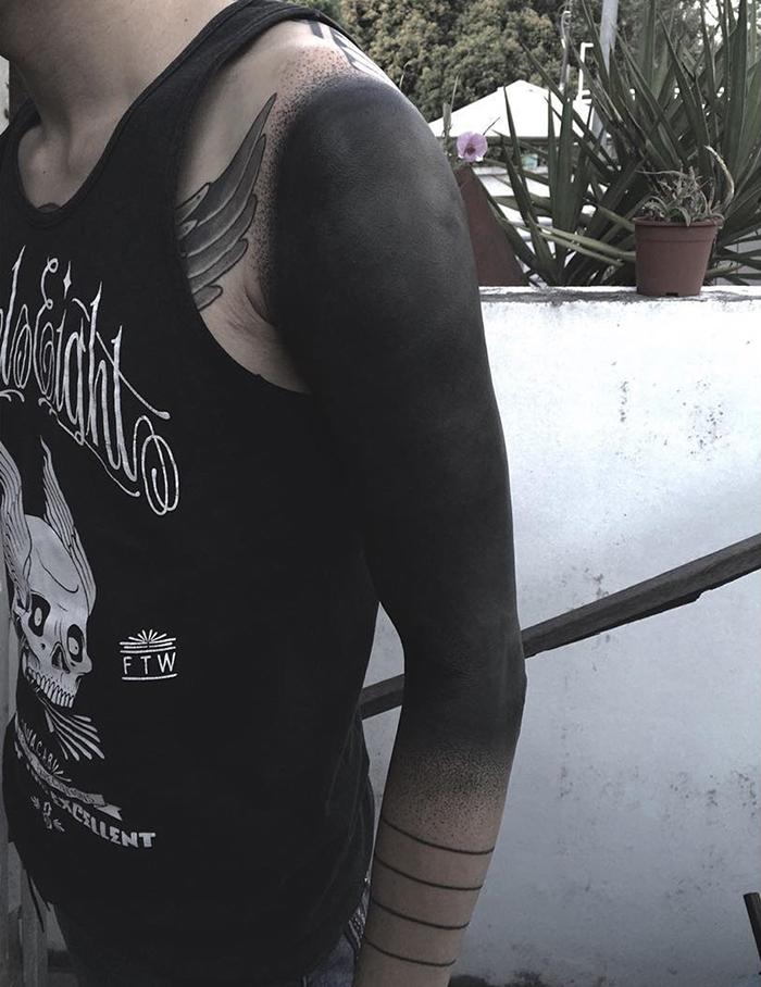 tatuajes-cubiertos-negro-chester-lee-singapur-2