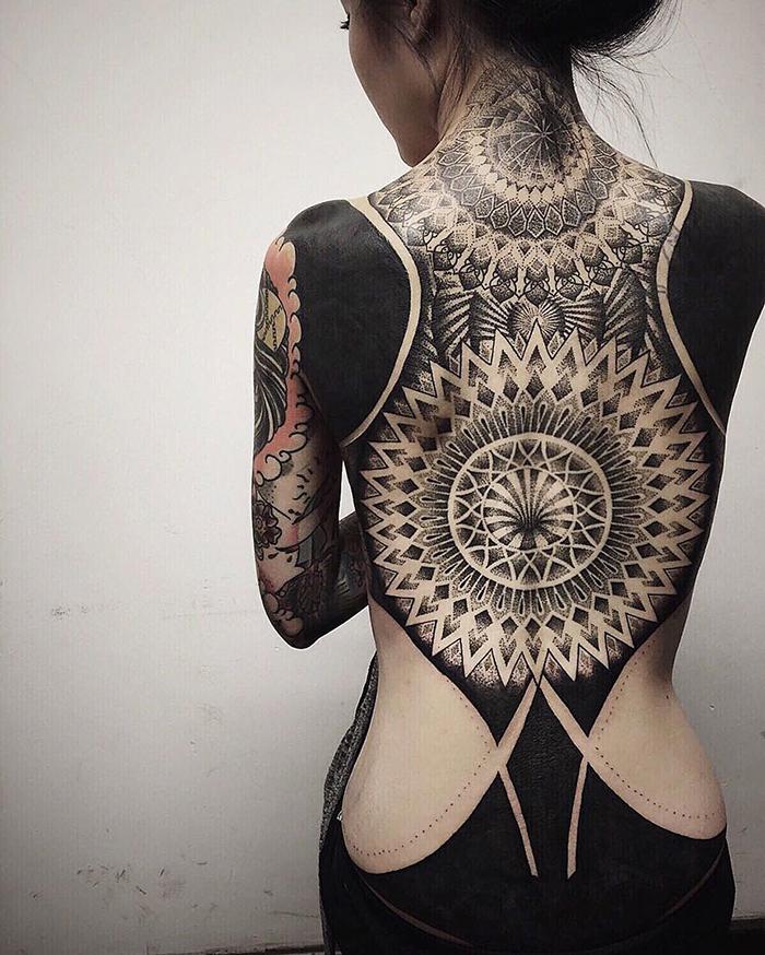 tatuajes-cubiertos-negro-chester-lee-singapur-4