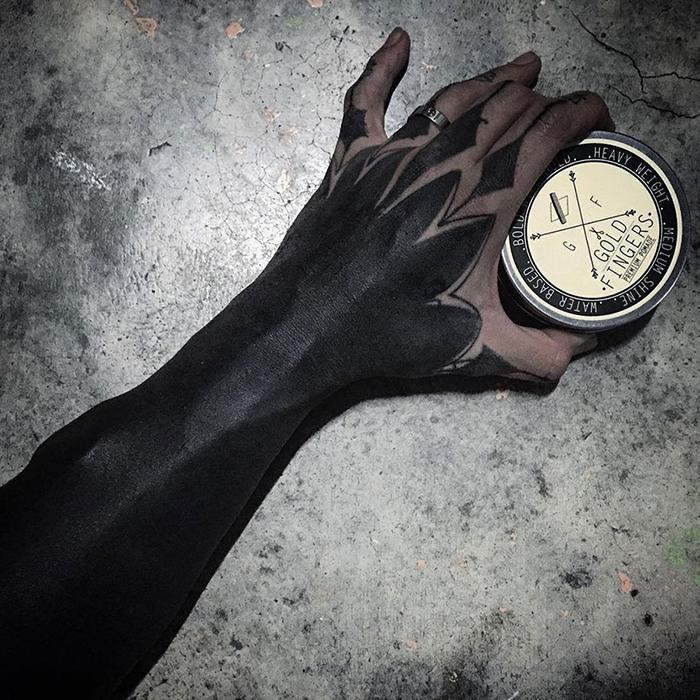 tatuajes-cubiertos-negro-chester-lee-singapur-8