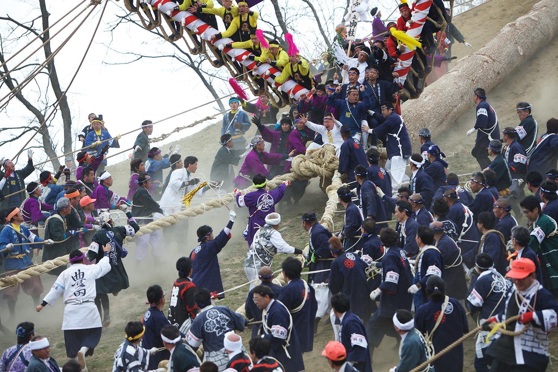 Log Riding during Onbashira Upper Shrine (Kamisha) http://onbashirafestival.com