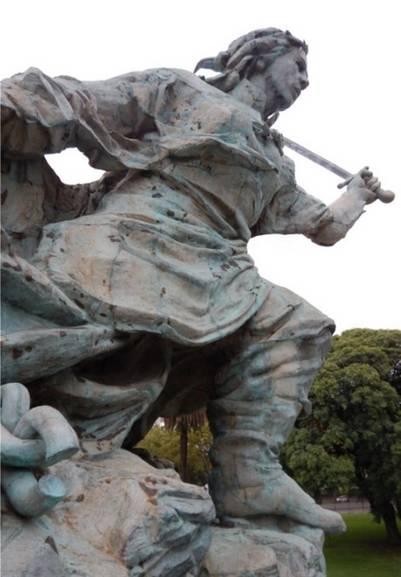 Monumento-Juana-Azurduy-Fotos-Clarin_CLAIMA20160513_0131_17