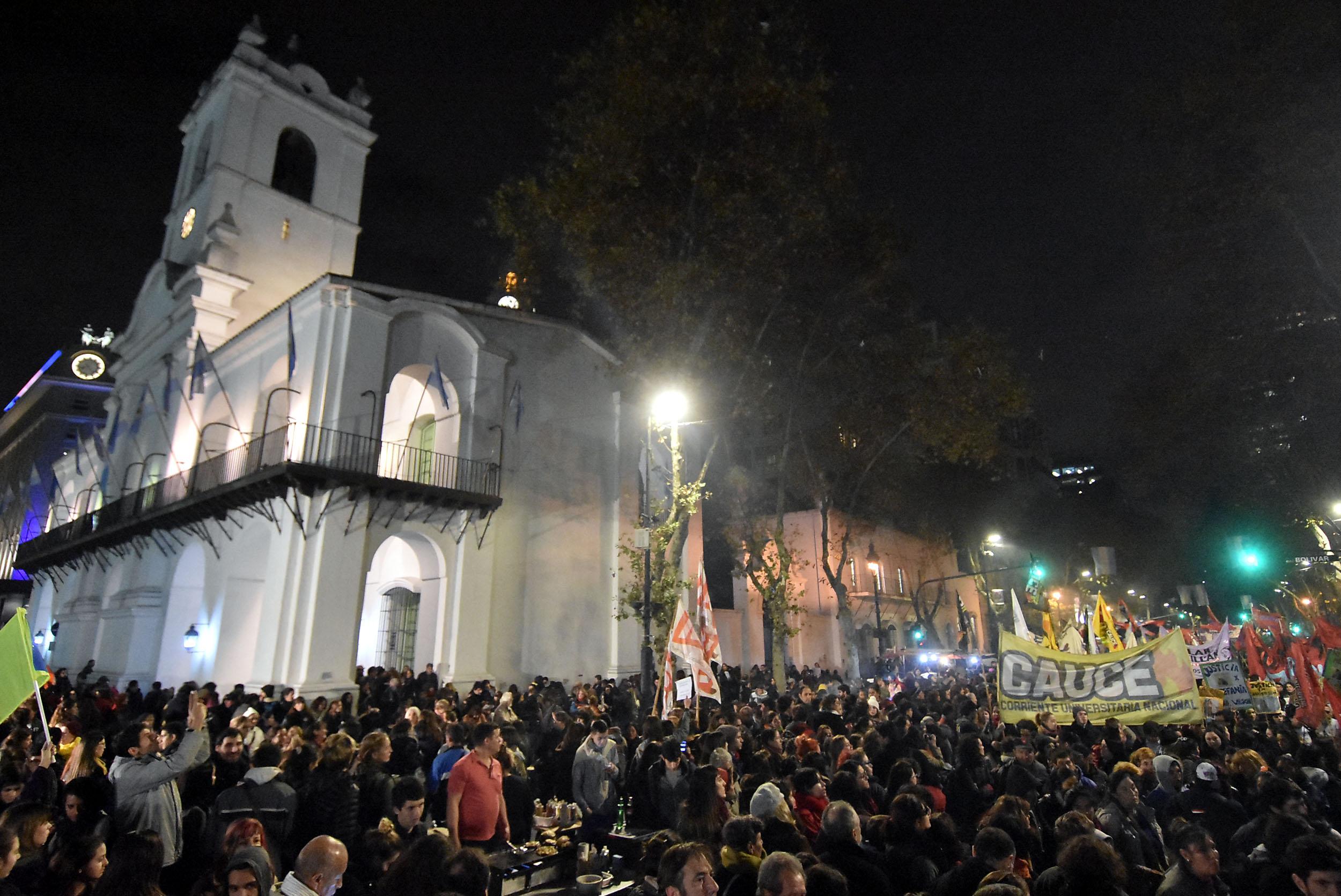 """DYN206, BUENOS AIRES, 03/06/2016, MARCHA POR """"NI UNA MENOS """" DESDE EL CONGRESO A PLAZA DE MAYO. FOTO:DYN/ALBERTO RAGGIO."""