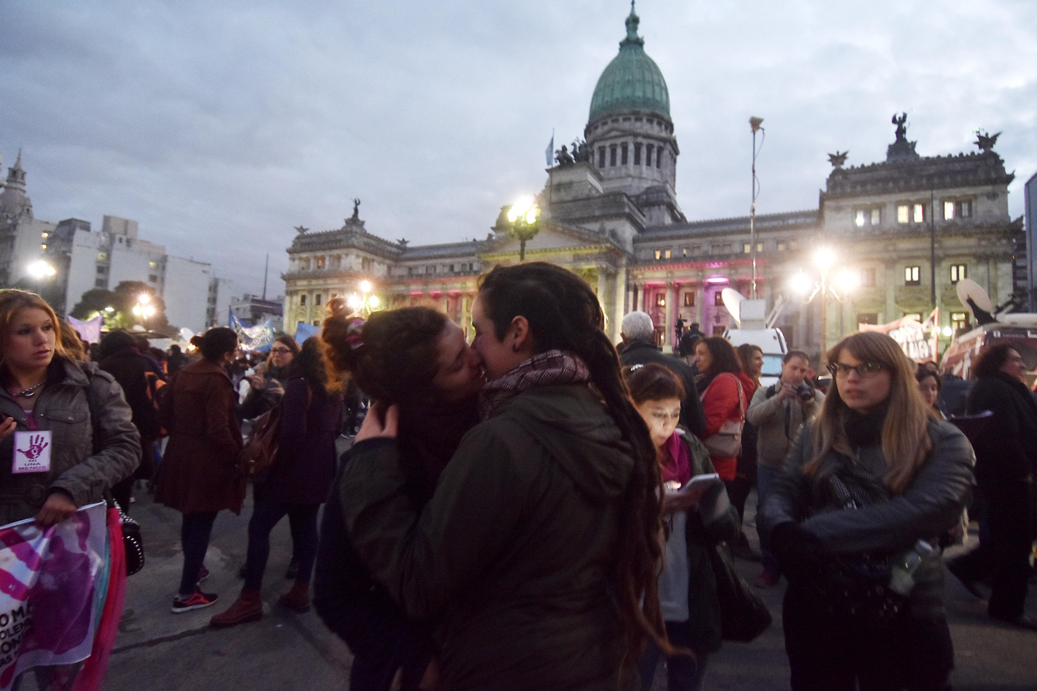 """DYN31, BUENOS AIRES, 03/06/2016, MARCHA POR """"NI UNA MENOS """" DESDE EL CONGRESO A PLAZA DE MAYO. FOTO:DYN/TONY GOMEZ."""