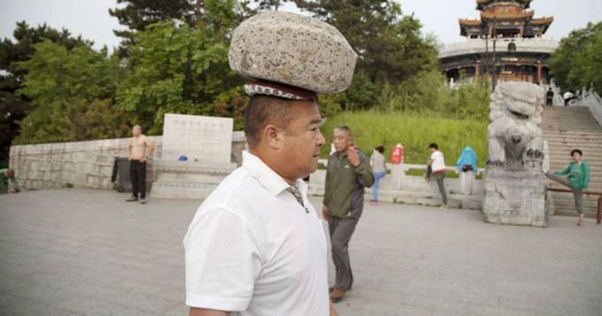 piedra en la cabeza