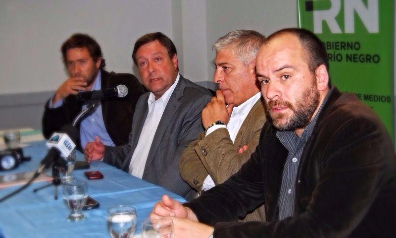 Guillermo Campetti (derecha) es un hombre de confianza del gobernador Weretilneck