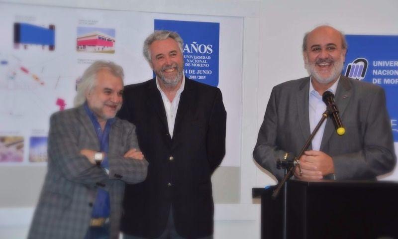 Mariano West, junto al rector de la Universidad, Héctor Andrade