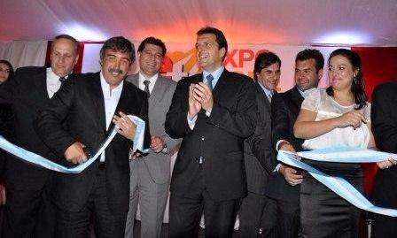 Ambrosini (segundo desde la izquierda), con Massa