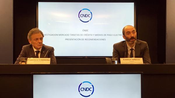 Francisco Cabrera y Esteban Greco dieron detalles de la investigación en una conferencia de prensa