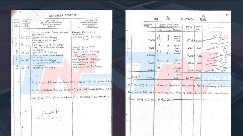 Libro de actas del 26 de marzo de 2014, en el que se investiga una supuesta firma adulterada.