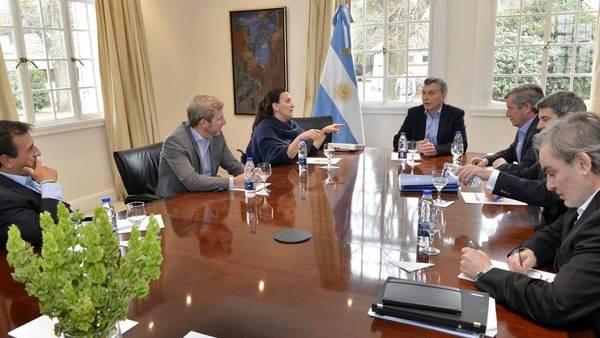 Macri-reunio-Michetti-ministros-Corte_CLAIMA20160819_0288_28