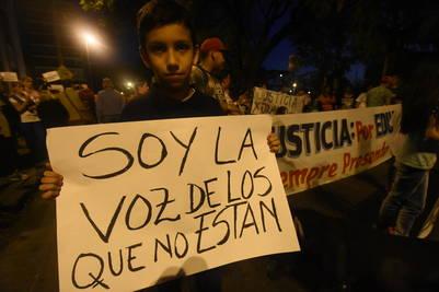 Marcha-inseguridad-Rosario-Juanjo-Garcia_CLAIMA20160825_0407_17