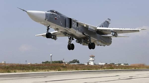 Un caza bombardero Su-24 sirio, de fabricación rusa.