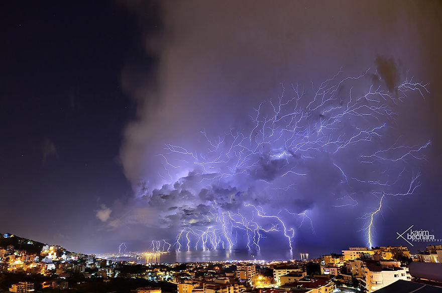 lightning-beirut-lebanon-karim-bechara-57e8004eca134-png__880