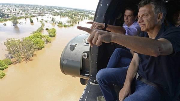 Sobrevuelo-Macri-helicoptero-Concordia-AFP_CLAIMA20151227_0136_28