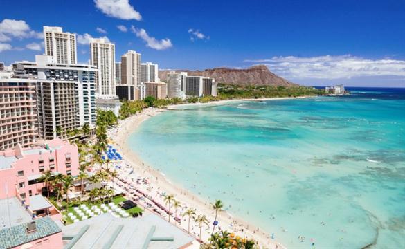 Honolulu: febrero. La ciudad hawaiana tiene rebajas de hasta el 40 % en el mes de los enamorados.
