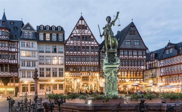 Frankfurt: diciembre. Las noches de hotel estarán un 56 % más baratas que las noches del resto del año.