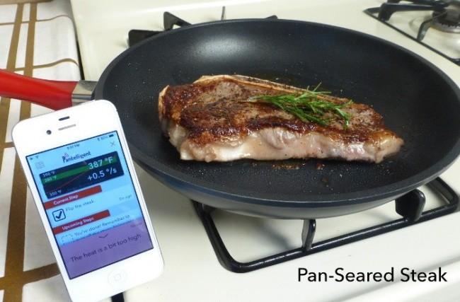 La sartén 'inteligente' proporciona datos sobre la temperatura adecuada para cada plato e indica cuándo es necesario sacar la comida.