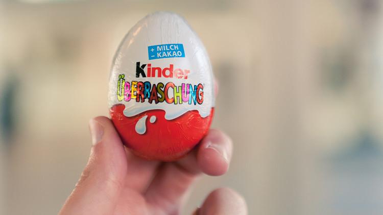 """Los Huevos Kinder están prohibidos en EE.UU. por contener """"un objeto no nutritivo"""", lo que contradice a la Ley Federal de Alimentos, Medicamentos y Cosméticos de 1938."""