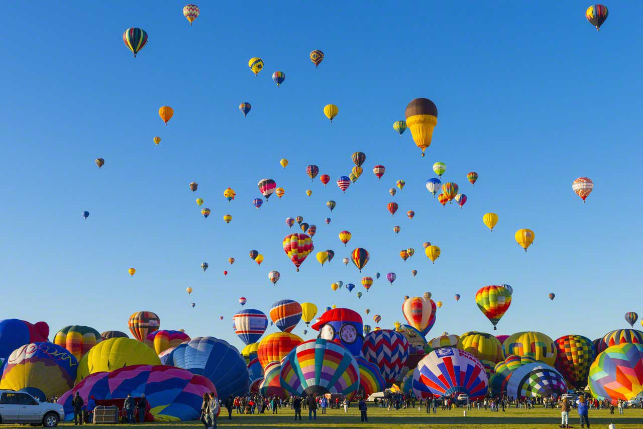 14 Oct 2013, Albuquerque, New Mexico, USA --- USA, New Mexico, Albuquerque, Albuquerque International Balloon Fiesta --- Image by © Alan Copson/JAI/Corbis