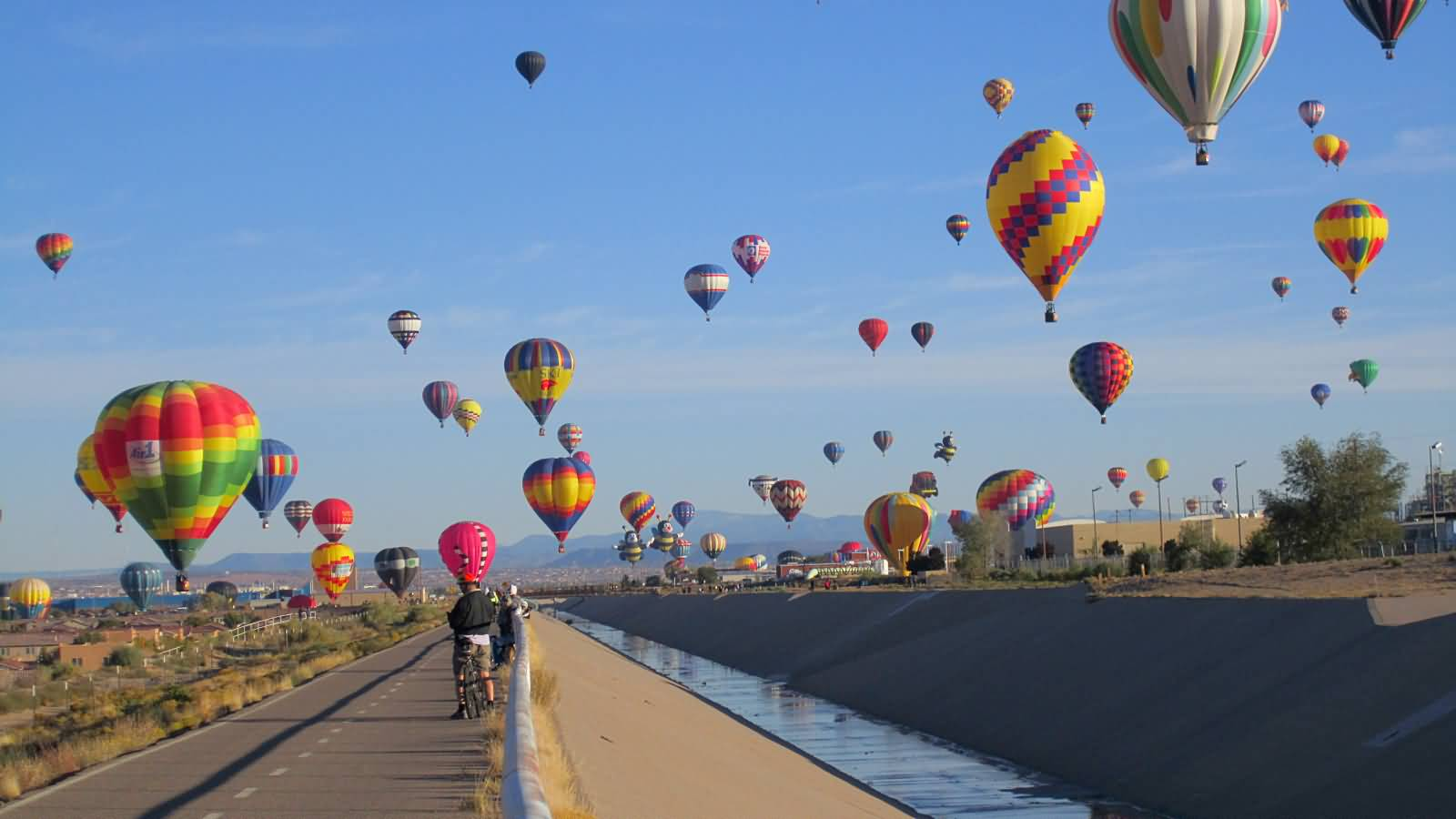 Beautiful-Air-Balloons-At-The-Albuquerque-Balloon-Festival