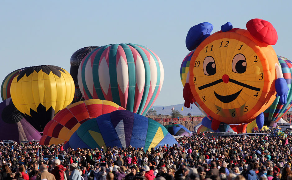 Clock-Shaped-Hot-Air-Balloon-At-Albuquerque-Balloon-Festival