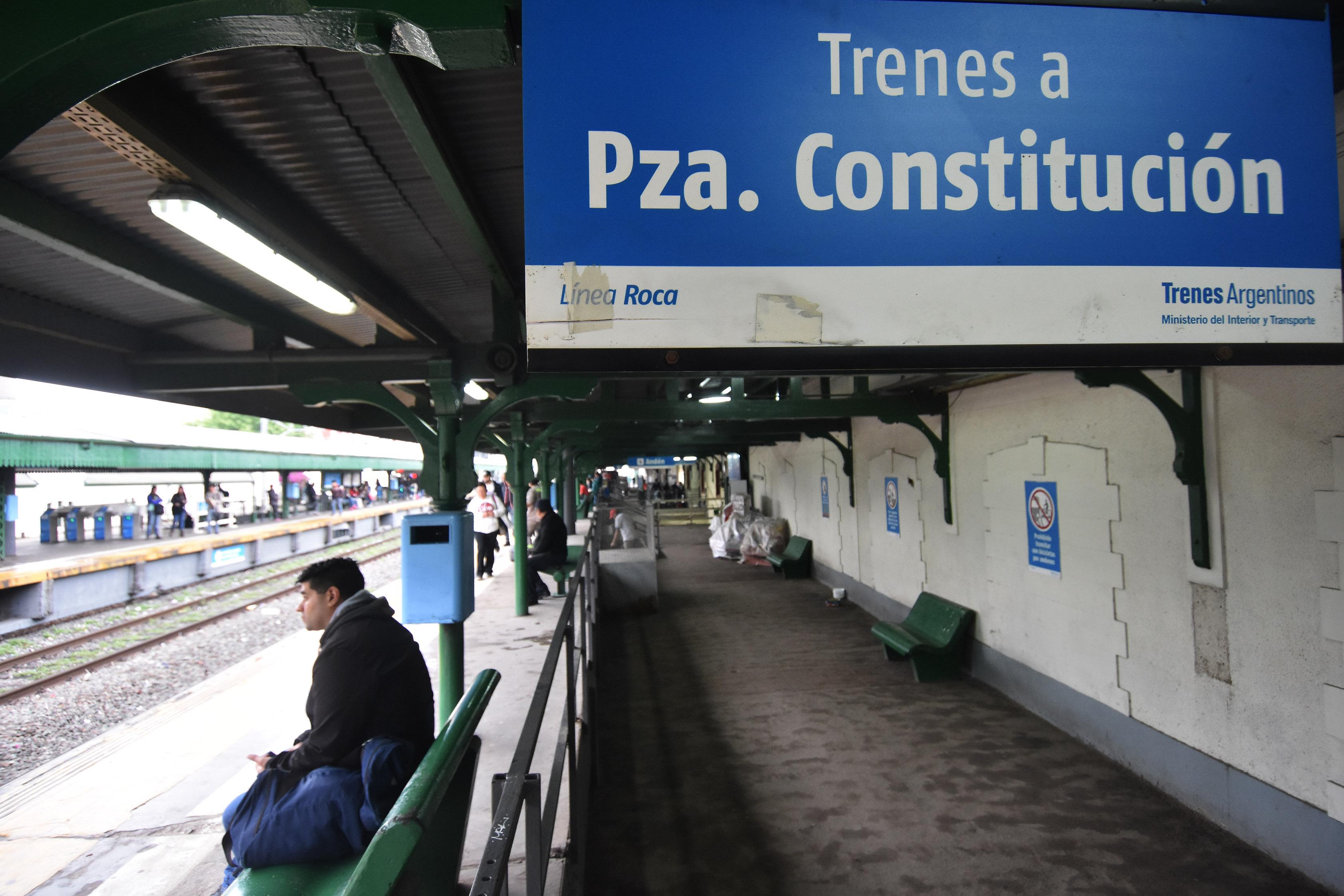 DYN16,LANUS, BUENOS AIRES, 26/10/2016, PARO DE TRENES DE LA LINEA ROCA. FOTO:DYN/LUCIANO THIEBERGER.