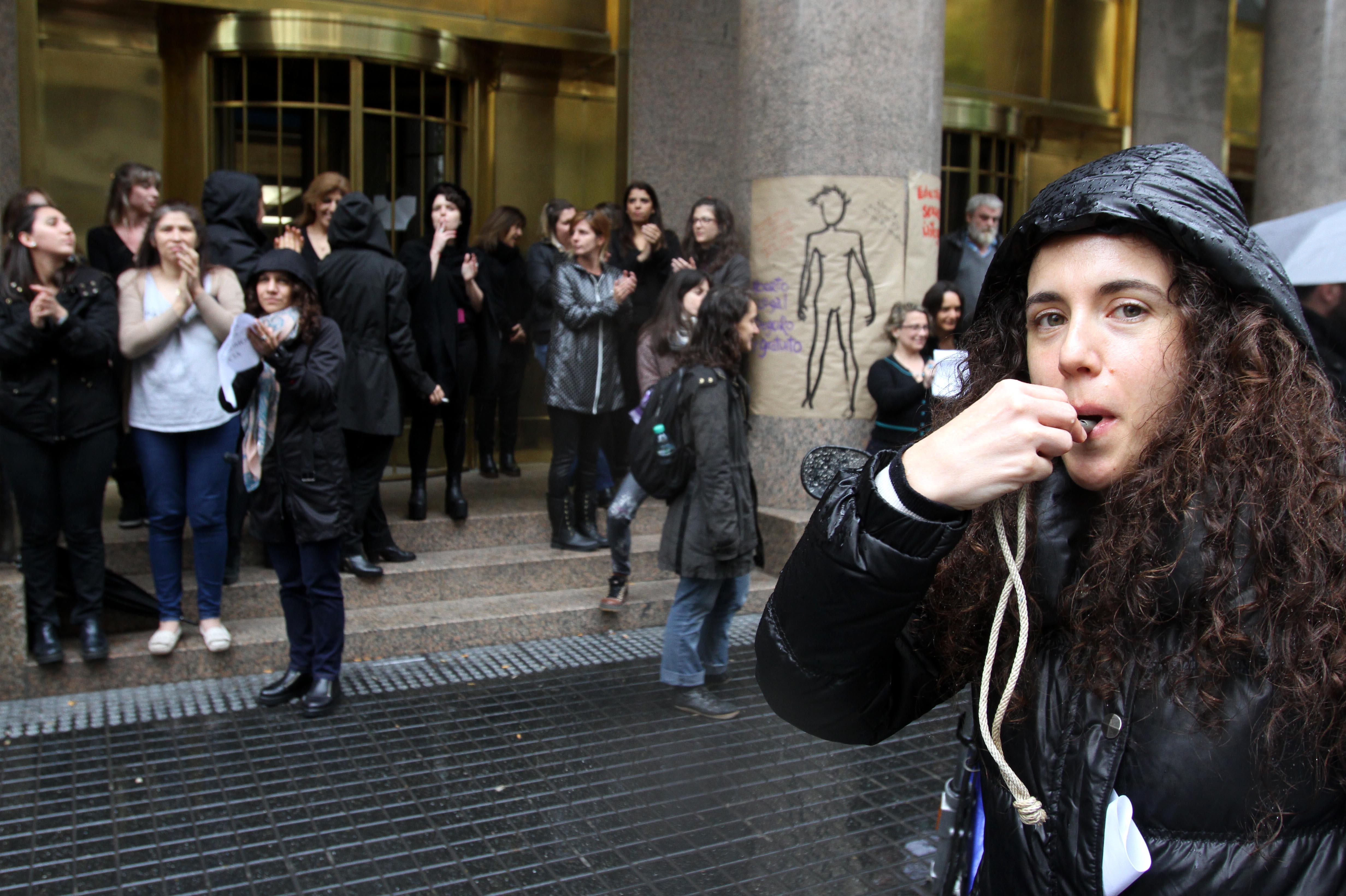 """DYN18, BUENOS AIRES 19/10/16, MUJERES PARA AL GRITO """"NI UNA MENOS"""" EN EL CENTRO PORTEÑO.FOTO:DYN/CARLOS GRECO."""