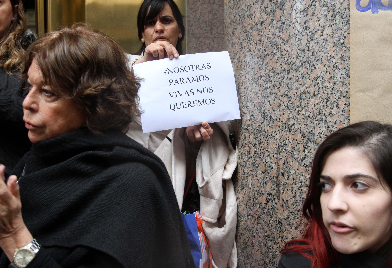 """DYN20, BUENOS AIRES 19/10/16, MUJERES PARA AL GRITO """"NI UNA MENOS"""" EN EL CENTRO PORTEÑO.FOTO:DYN/CARLOS GRECO."""