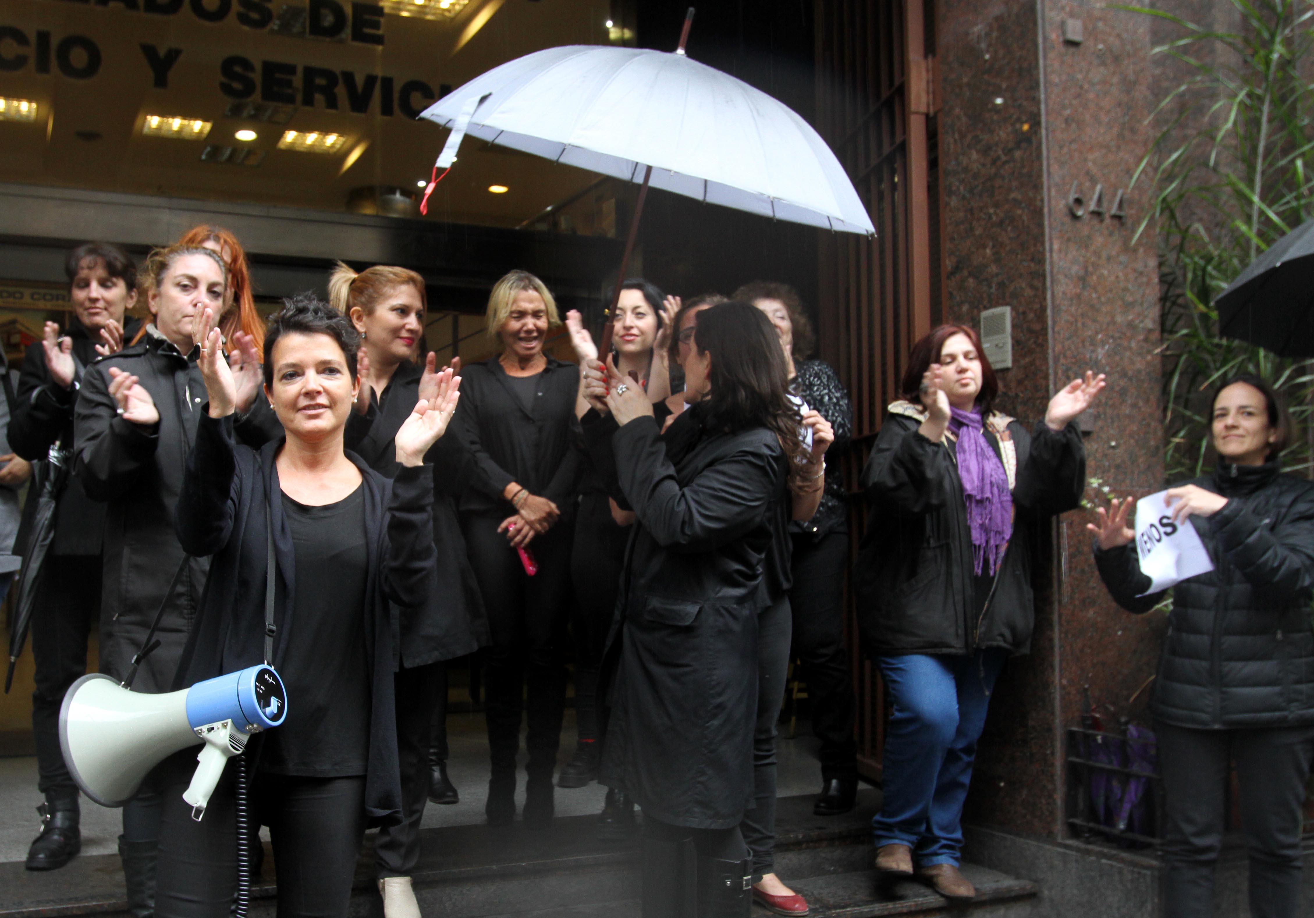 """DYN23, BUENOS AIRES 19/10/16, MUJERES PARA AL GRITO """"NI UNA MENOS"""" EN EL CENTRO PORTEÑO.FOTO:DYN/CARLOS GRECO."""