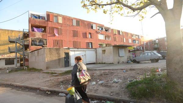 Los monoblocks del barrio Carlos Gardel, en la zona oeste del GBA. Allí para la banda de ladrones.
