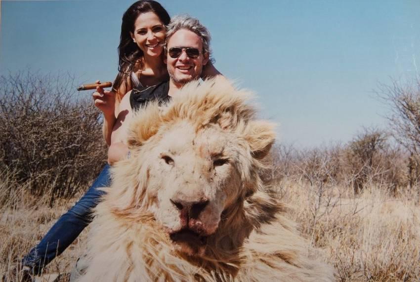 Matias-Garfunkel-Victoria-Vanucci-animales1