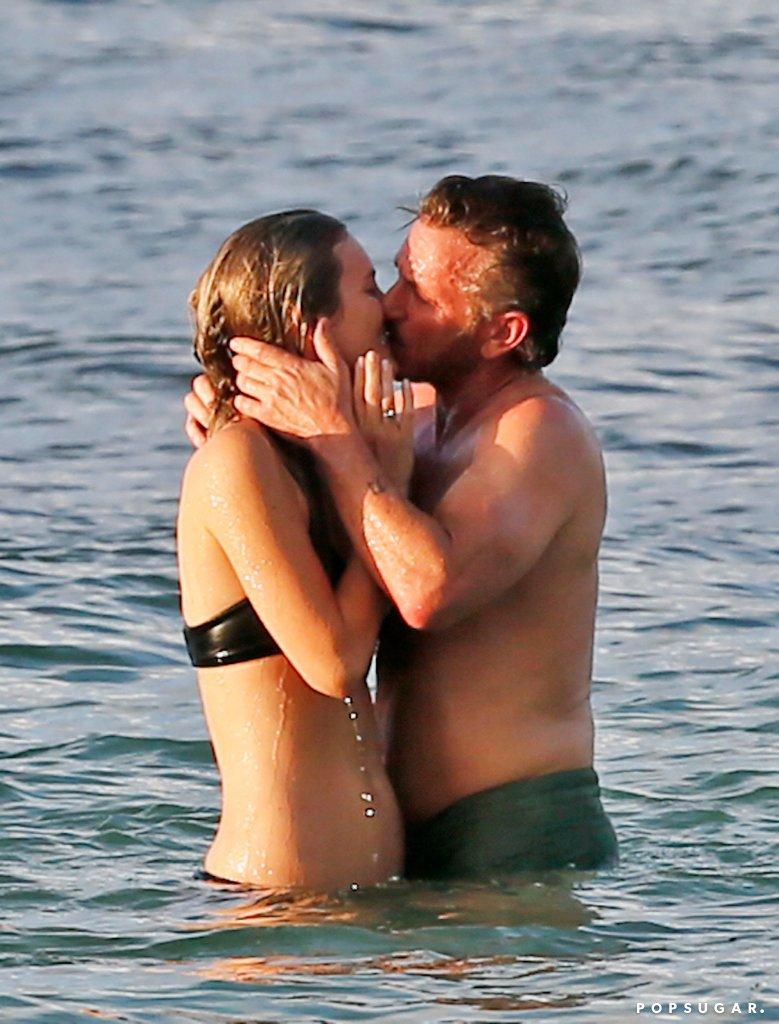 Sean-Penn-Kissing-Leila-George-Hawaii-Pictures-2016