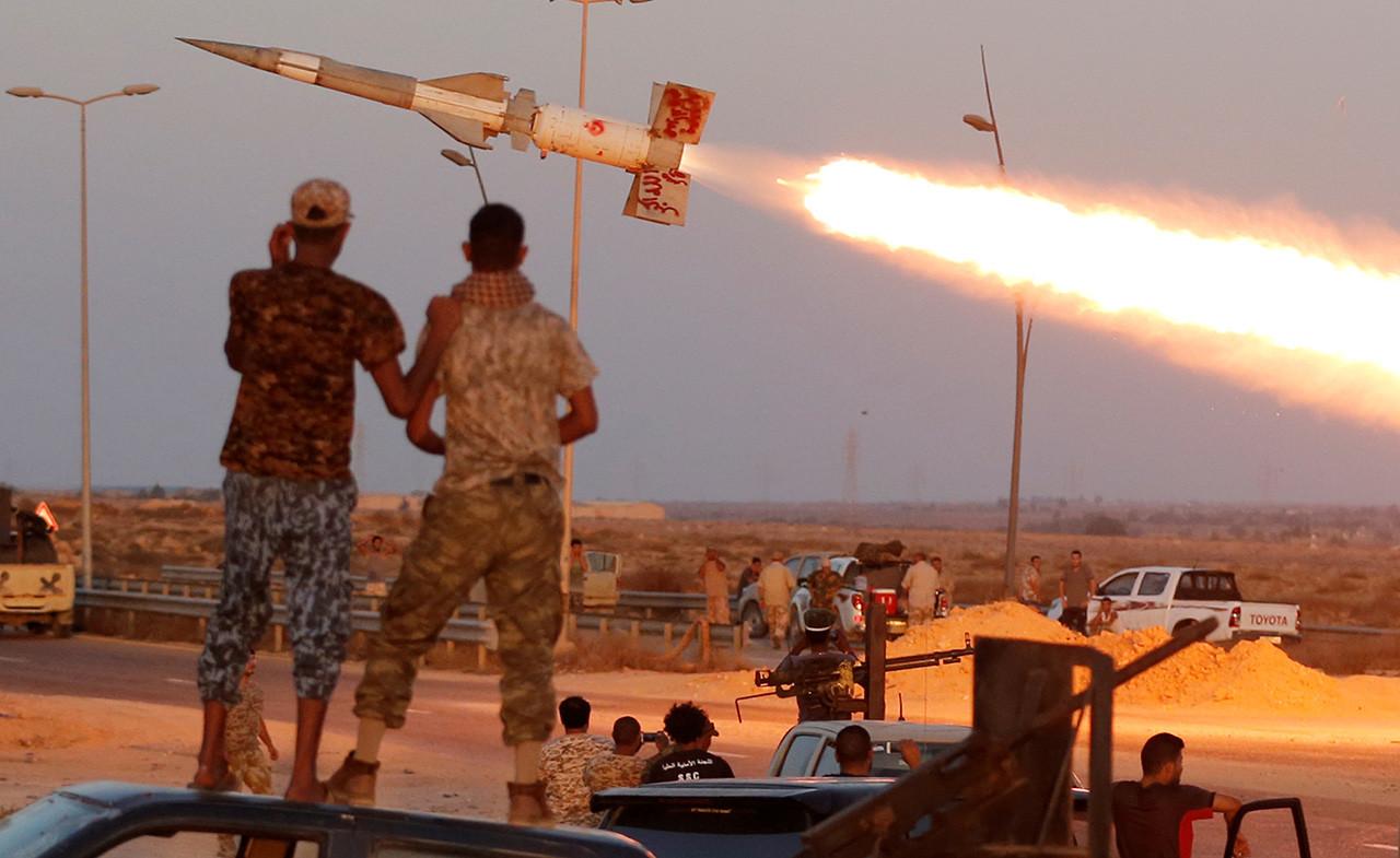 14) Libia