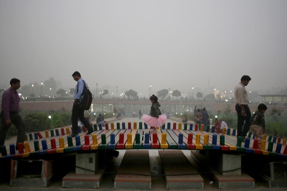 3-delhi-smog.ngsversion.1478714405318.adapt.945.1