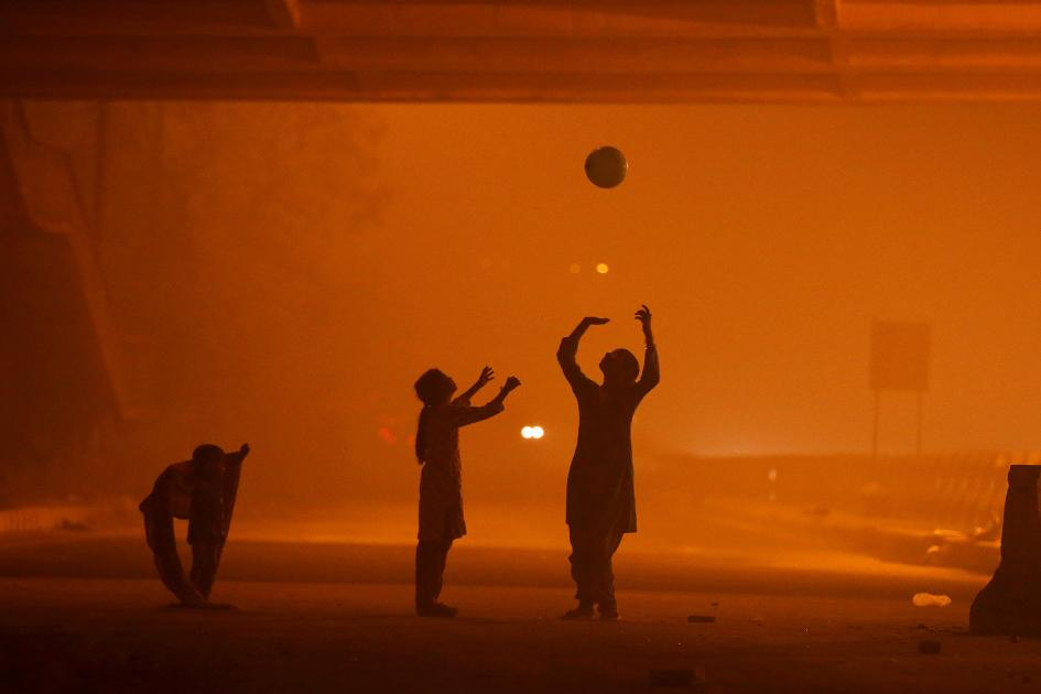6-delhi-smog.ngsversion.1478714404488.adapt.945.1