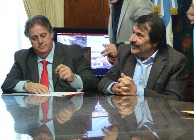 El ex subsecretario de Atención de las Adicciones Carlos Sanguinetti, junto al ex ministro de Salud Alejandro Collia.