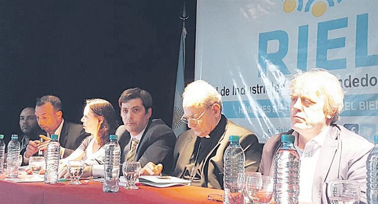 El legislador Gustavo Vera y monseñor Marcelo Sánchez Sorondo fueron dos de los oradores en el encuentro